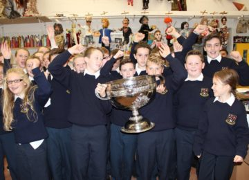 Moate-CS-1st-year-students-celebrate-Sam-Maguires-visit-to-the-school